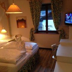 Hotel Aquila Nera - Schwarzer Adler Випитено комната для гостей фото 3