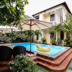 Отель Hoi An Holiday Villa бассейн