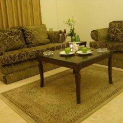 Отель Al Nakheel Furnished Apartments Иордания, Солт - отзывы, цены и фото номеров - забронировать отель Al Nakheel Furnished Apartments онлайн комната для гостей фото 2