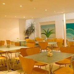 Отель Leisure Inn питание фото 3