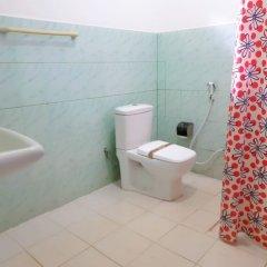 Отель Saji-Sami Шри-Ланка, Анурадхапура - отзывы, цены и фото номеров - забронировать отель Saji-Sami онлайн ванная