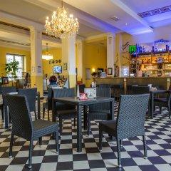 Отель A&o Leipzig Hauptbahnhof Лейпциг гостиничный бар