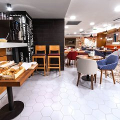 Гостиница Холидей ИНН гостиничный бар