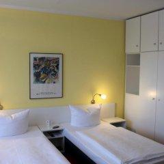 Отель Elbotel сейф в номере