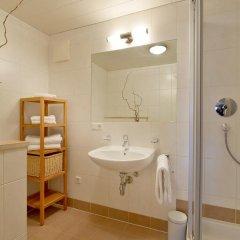 Отель Bergviewhaus Apartments Австрия, Зёлль - отзывы, цены и фото номеров - забронировать отель Bergviewhaus Apartments онлайн ванная
