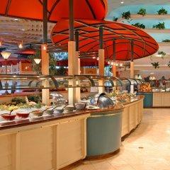 Отель Flamingo Las Vegas - Hotel & Casino США, Лас-Вегас - 11 отзывов об отеле, цены и фото номеров - забронировать отель Flamingo Las Vegas - Hotel & Casino онлайн питание фото 3