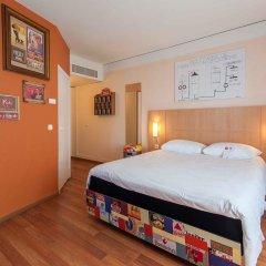 Отель Ibis Centre Gare Midi Брюссель сейф в номере