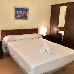 Отель Hostal Arriaza Мадрид сейф в номере
