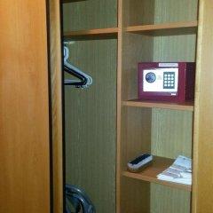 Отель JaS Чехия, Прага - отзывы, цены и фото номеров - забронировать отель JaS онлайн сейф в номере