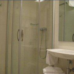 Отель Pensión Altair Сан-Себастьян ванная фото 2