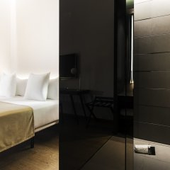 Отель One Shot Mercat 09 сейф в номере