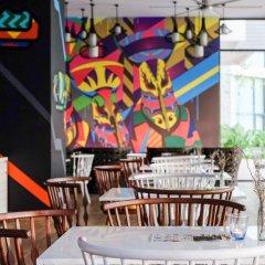 Отель Cassia Phuket гостиничный бар