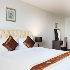 Отель Waterford Diamond Tower Бангкок комната для гостей фото 5