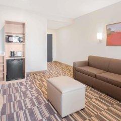 Отель Microtel Inn & Suites by Wyndham Cuauhtemoc комната для гостей