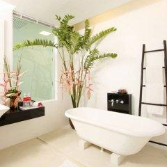 Отель The Old Phuket - Karon Beach Resort ванная фото 2