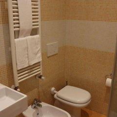 Отель La Madonnina Италия, Милан - 1 отзыв об отеле, цены и фото номеров - забронировать отель La Madonnina онлайн ванная фото 2