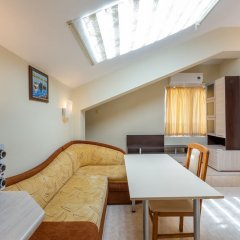 Апартаменты 1 Bedroom Apartment in Dafinka Guest House Равда комната для гостей фото 5