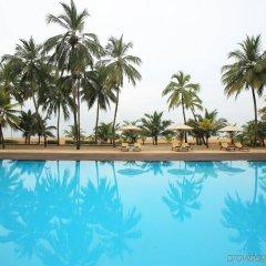 Отель Avani Kalutara Resort бассейн фото 2