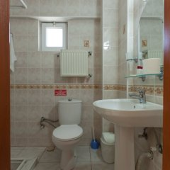 Gizem Pansiyon Турция, Канаккале - отзывы, цены и фото номеров - забронировать отель Gizem Pansiyon онлайн ванная