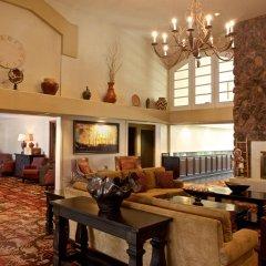Отель Embassy Suites Flagstaff интерьер отеля