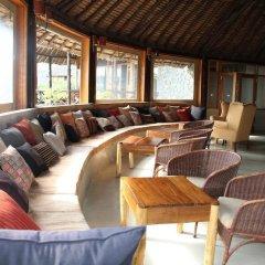Отель The Pelican Lodge гостиничный бар