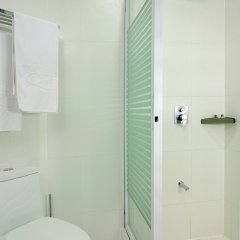 Отель Queens Hotel Филиппины, Пампанга - отзывы, цены и фото номеров - забронировать отель Queens Hotel онлайн ванная фото 3