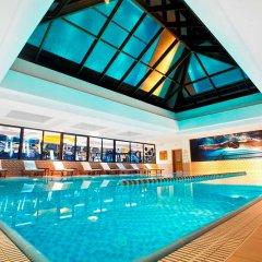 Отель Hilton Izmir бассейн