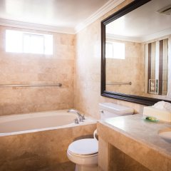 Отель Best Western PLUS Sunset Plaza США, Уэст-Голливуд - отзывы, цены и фото номеров - забронировать отель Best Western PLUS Sunset Plaza онлайн ванная