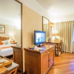 Отель Shangri La Hotel Непал, Катманду - отзывы, цены и фото номеров - забронировать отель Shangri La Hotel онлайн удобства в номере