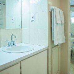 Отель Ocean Breeze at Montego Bay Club Resort Ямайка, Монтего-Бей - отзывы, цены и фото номеров - забронировать отель Ocean Breeze at Montego Bay Club Resort онлайн ванная