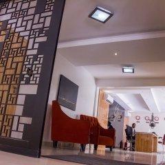 Glee Hotel интерьер отеля