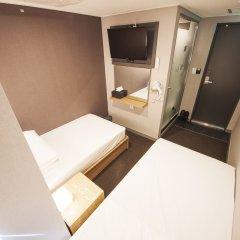 Отель Blue Mountain Myeongdong сейф в номере