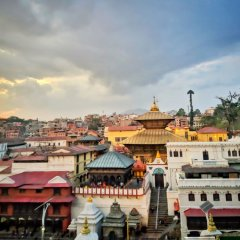 Отель The Milestone Hotel Непал, Катманду - отзывы, цены и фото номеров - забронировать отель The Milestone Hotel онлайн балкон