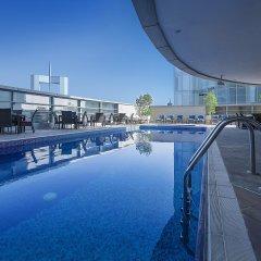 Emirates Grand Hotel бассейн