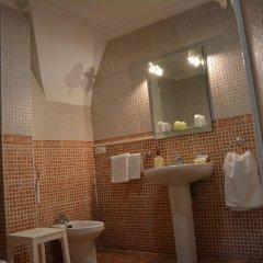Отель Hostal San Miguel Испания, Трухильо - отзывы, цены и фото номеров - забронировать отель Hostal San Miguel онлайн ванная