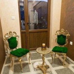 Отель Guesthouse Versailles Болгария, Шумен - отзывы, цены и фото номеров - забронировать отель Guesthouse Versailles онлайн интерьер отеля