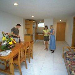 Отель Apartamentos Los Peces Rentalmar Испания, Салоу - 1 отзыв об отеле, цены и фото номеров - забронировать отель Apartamentos Los Peces Rentalmar онлайн интерьер отеля