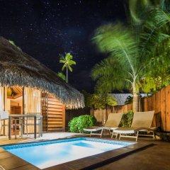 Отель Manava Beach Resort and Spa Moorea Французская Полинезия, Папеэте - отзывы, цены и фото номеров - забронировать отель Manava Beach Resort and Spa Moorea онлайн бассейн фото 3