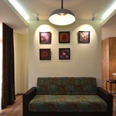 Апартаменты Gallery Apartment A комната для гостей фото 5