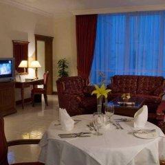 Отель Grand Excelsior Hotel Sharjah ОАЭ, Шарджа - 1 отзыв об отеле, цены и фото номеров - забронировать отель Grand Excelsior Hotel Sharjah онлайн интерьер отеля фото 3