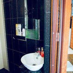 Отель Studio Apartment in Old City Азербайджан, Баку - отзывы, цены и фото номеров - забронировать отель Studio Apartment in Old City онлайн ванная