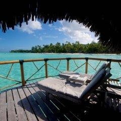 Отель Bora Bora Pearl Beach Resort Французская Полинезия, Бора-Бора - отзывы, цены и фото номеров - забронировать отель Bora Bora Pearl Beach Resort онлайн балкон