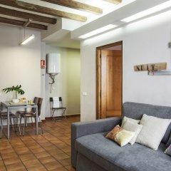 Отель AinB Las Ramblas-Guardia Apartments Испания, Барселона - 1 отзыв об отеле, цены и фото номеров - забронировать отель AinB Las Ramblas-Guardia Apartments онлайн комната для гостей фото 12