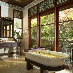 Отель Dwaraka The Royal Villas ванная
