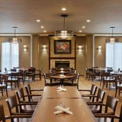 Отель Best Western Premier Calgary Plaza Hotel & Conference Centre Канада, Калгари - отзывы, цены и фото номеров - забронировать отель Best Western Premier Calgary Plaza Hotel & Conference Centre онлайн питание фото 3