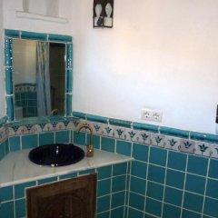 Отель Alojamientos Rurales Cortijo Del Norte Al Sur De Granada Дуркаль ванная