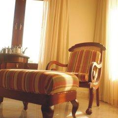 Отель The LaLiT Golf & Spa Resort Goa удобства в номере