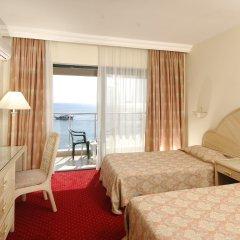 Отель Aska Just In Beach – All Inclusive комната для гостей фото 5