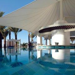 Отель The Ritz-Carlton, Dubai бассейн фото 3