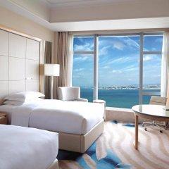 Отель DoubleTree by Hilton Hotel Xiamen - Wuyuan Bay Китай, Сямынь - отзывы, цены и фото номеров - забронировать отель DoubleTree by Hilton Hotel Xiamen - Wuyuan Bay онлайн комната для гостей фото 2